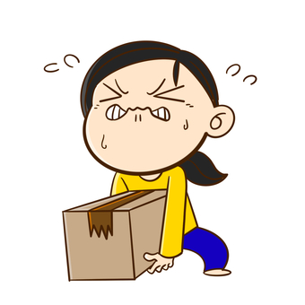 Woman with heavy cardboard (1)
