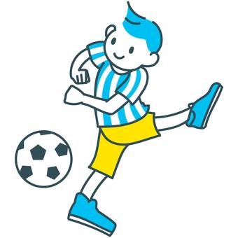 青黄白のサッカーボールを蹴る少年