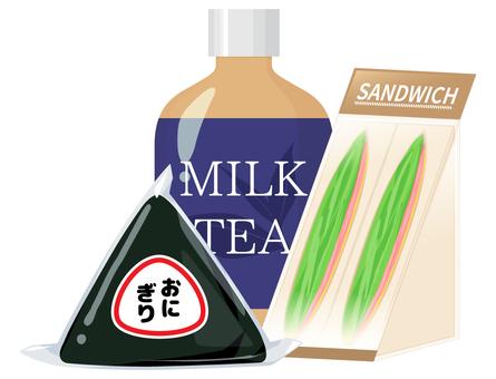 コンビニ飯_おにぎりとサンドイッチと紅茶