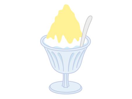 Shaved ice of lemon