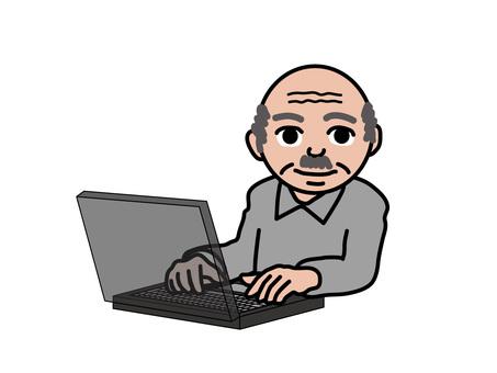 PC operation (114) senior old man