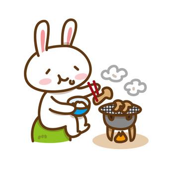 Usagi who eats baked matsutake mushrooms