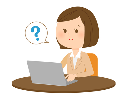 穿西裝使用筆記本電腦的婦女3