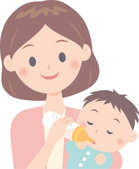 엄마와 아기 (우유를 마시는)