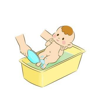 Baby's bathing 7
