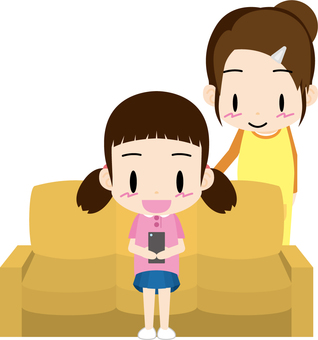 Operation of smartphone (mother-daughter)