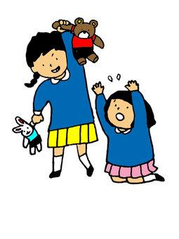 幼兒園的女孩與顏色戰鬥