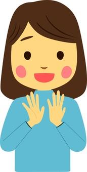 박수를하는 여성