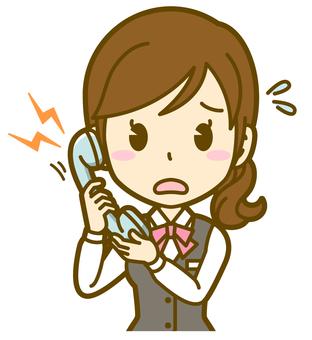 女人(接待處):A_電話04BS