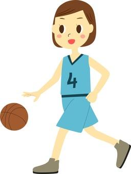 농구를하는 여성