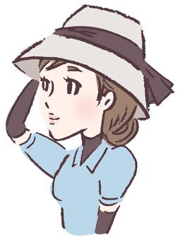 戴著帽子的女人