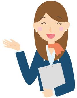 職員微笑的女人的秘書