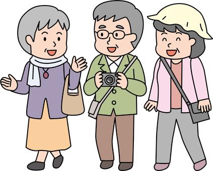 中高年 団体旅行