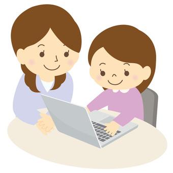 パソコンを学ぶ子供-02