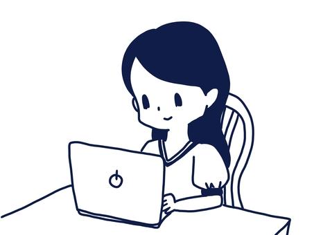 製作個人電腦的女人(書桌工作)