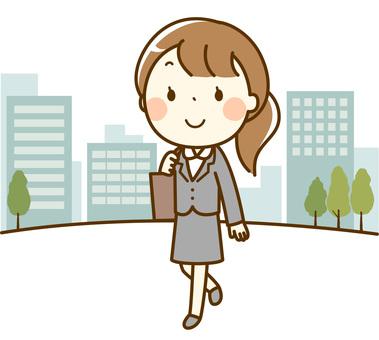 정장 여성 _ 걸어 출근