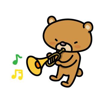 トランペットを演奏するくまさん