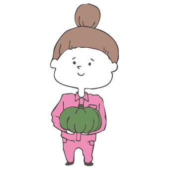 かぼちゃを持った農業女子