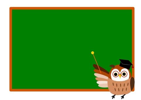 指向在黑板上的貓頭鷹醫生