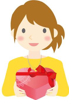 선물을 가진 여자