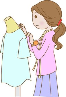 옷을 만드는 여자