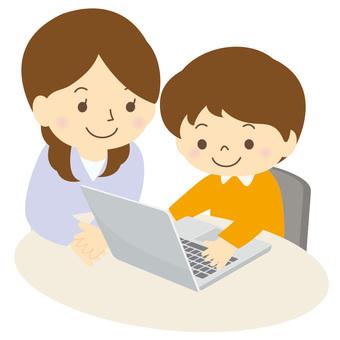 パソコンを学ぶ子供-01