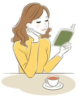 독서를하는 여성 1