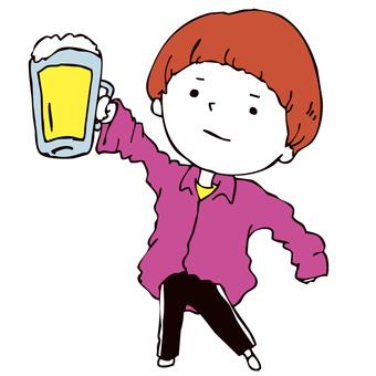 맥주를 가지고있는 소년