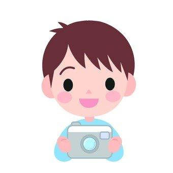 男孩用相機