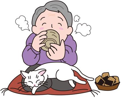 할머니와 흰색 고양이