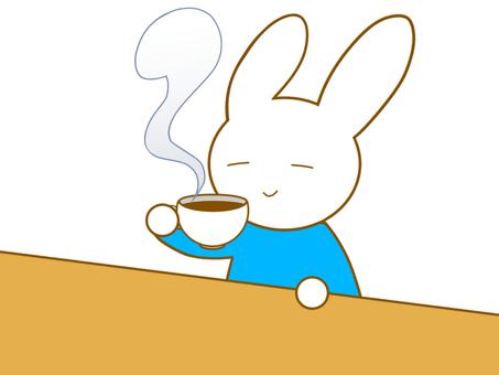 お茶を飲むウサギ