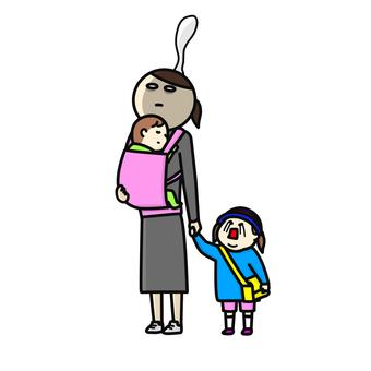 泣く子供と魂の出たワーママ