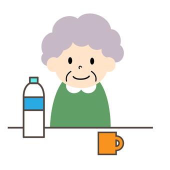 Elderly women and drinks