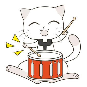 太鼓を叩く猫