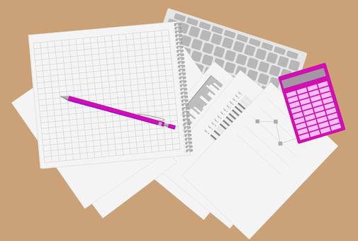 書類とキーボード