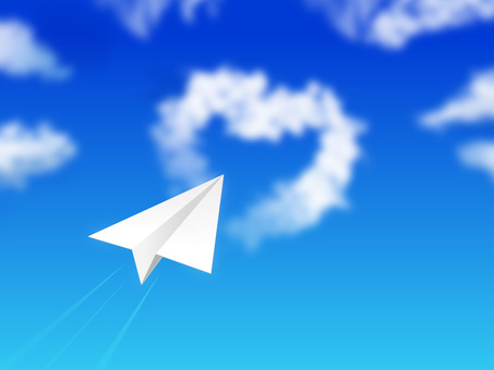 蓝蓝的天空和纸飞机04