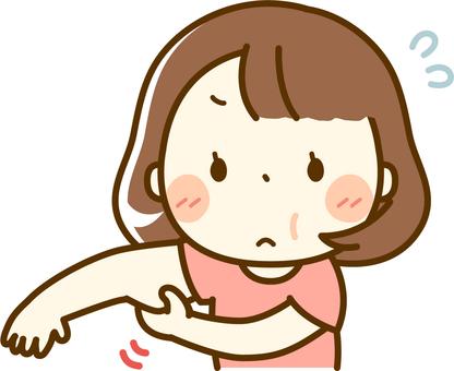 팔뚝이 걱정되는 통통한 체격의 여성