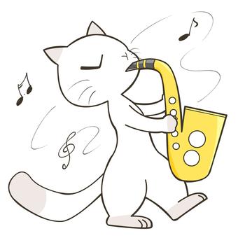 貓玩薩克斯管