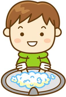 手洗いをする男の子