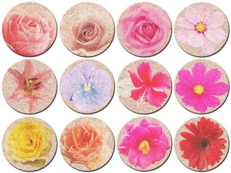 Button · flower / cork
