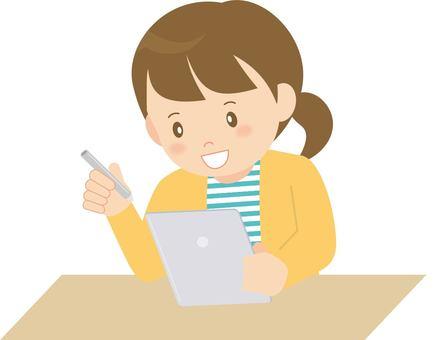 勉強する女の子 タブレット学習