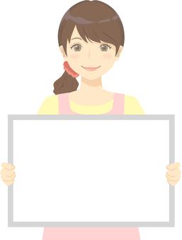 보육사의 여성 화이트 보드
