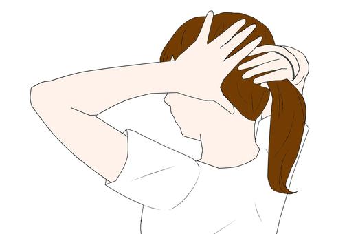 Woman tying hair (brown hair) (T-shirt)