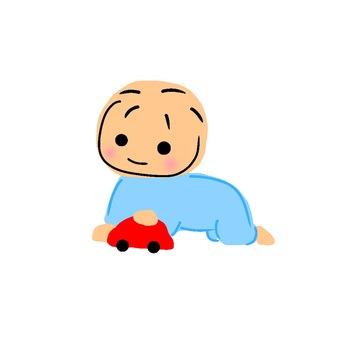 자동차 장난감으로 노는 아기