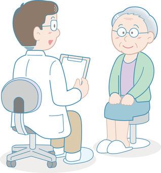 在醫院諮詢的老年人