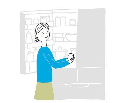 냉장고를 보는 여자
