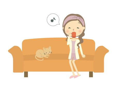 소파에 앉아 여성 5