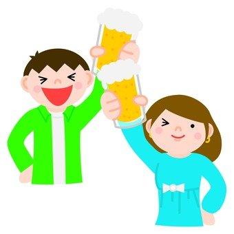 Cheers with beer (men and women)