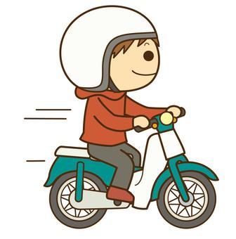 騎摩托車的人