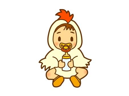 닭 인형을 입은 아기